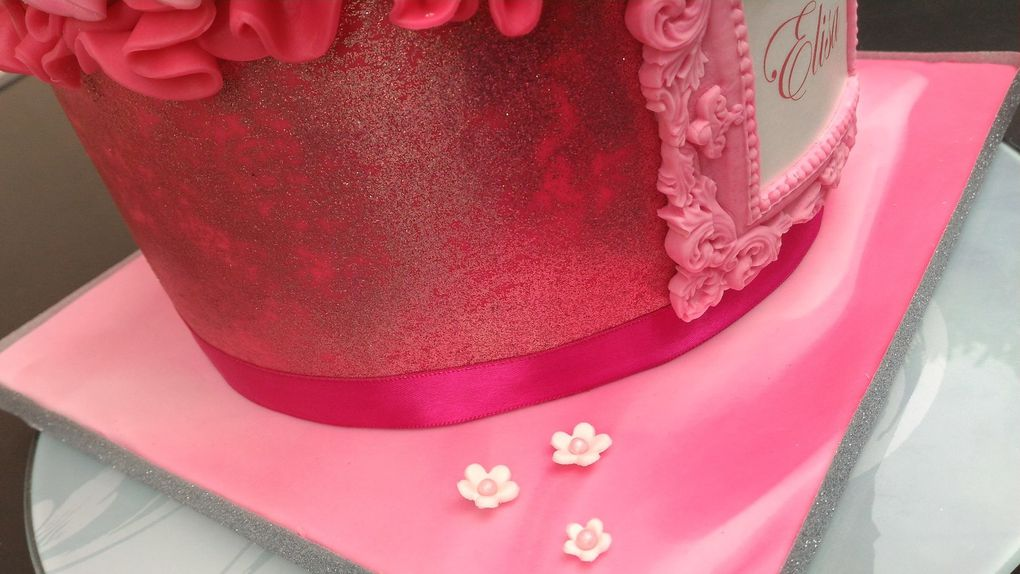 GATEAU D'ANNIVERSAIRE TRES GIRLY