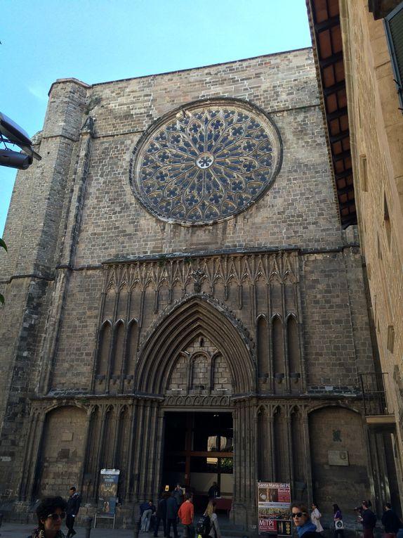 Ramblas : Placa Reial, Placa del Pi, Basilique Santa Maria del Pi, Port Vell, La Boqueria