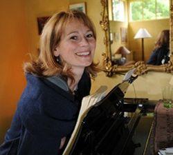 sophie marin degor, une chanteuse française issue de la maitrise de radio-france, une magnifique soprano