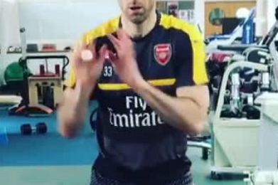 L'entraînement du gardien de but d'Arsenal