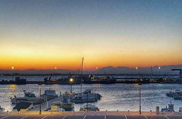 Le port de Rosas a l aube