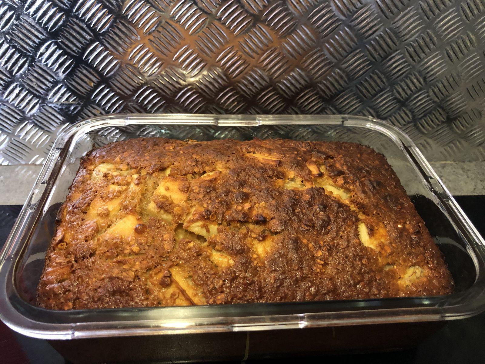Gâteau healthy aux flocons d'avoine , banane et pomme.