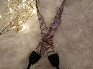 """Une sangle tissu """"Palmiers"""" , réglable indispensable pour vos aventures   www.eshoplatelierdecalye.fr"""