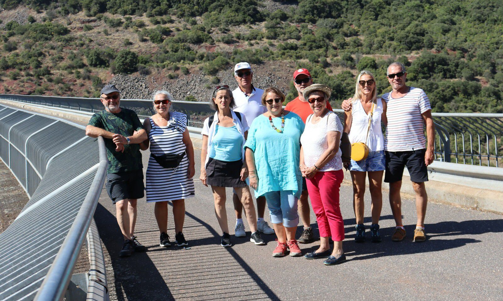 Visite du barrage du Salagou, point de vue à Liausson et promenade à Mourèze.