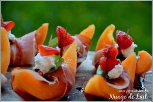 Melon au Speck, Chèvre frais, Basilic, Fraise et Crème de Balsamique à l'orange