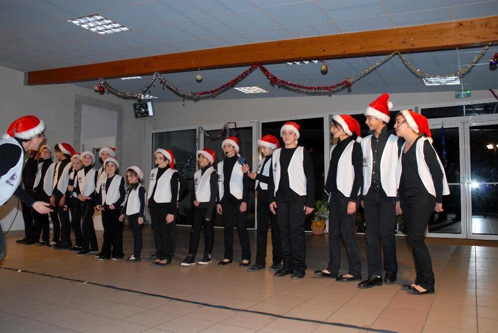 Arbre de Noël du personnel de l'ALG avec les groupes Pas d'trac et Fiesta