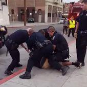 VIDEO. Etats-Unis : un jeune Noir de 16 ans violemment interpelé pour avoir marché sur la chaussée