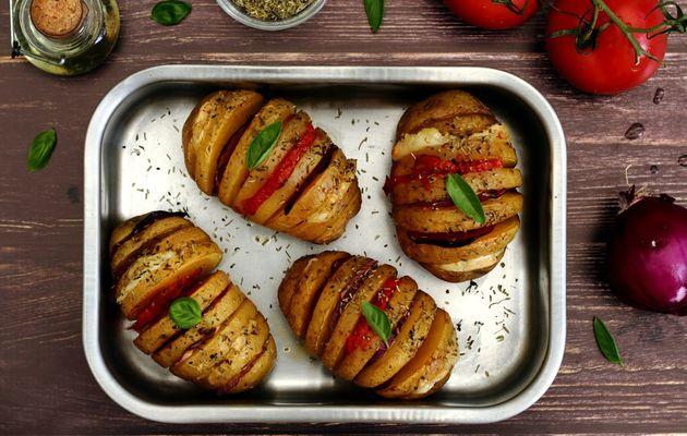 Pomme de terre au four (chorizo, mozzarella, oignon rouge et tomate)