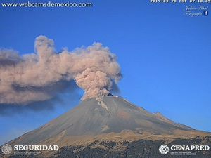 Popocatépetl - 28.03.2019 / à 6h52, 7h et 7h10 - Doc. WebcamsdeMexico/ Cenapred - un clic pour agrandir