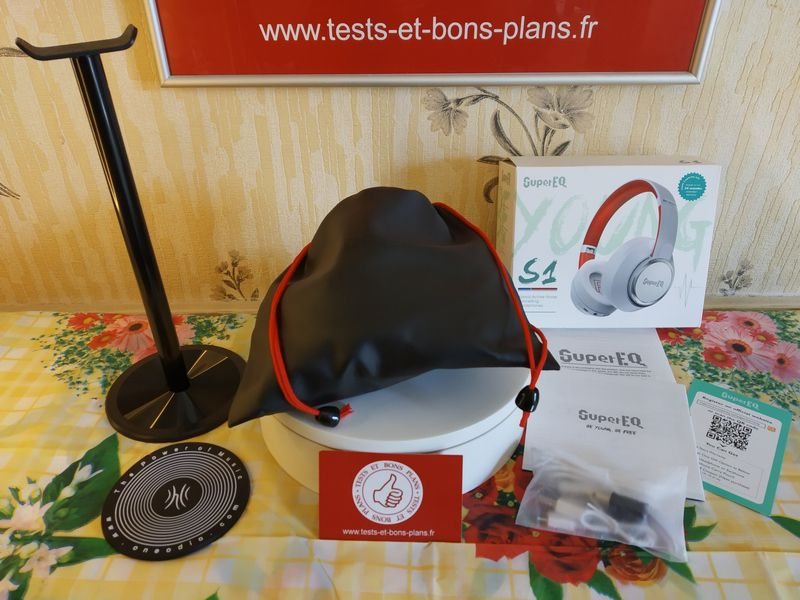 unboxing du casque nomade en Bluetooth 5.0 et technologie Hybrid ANC - SuperEQ S1 @ Tests et Bons Plans