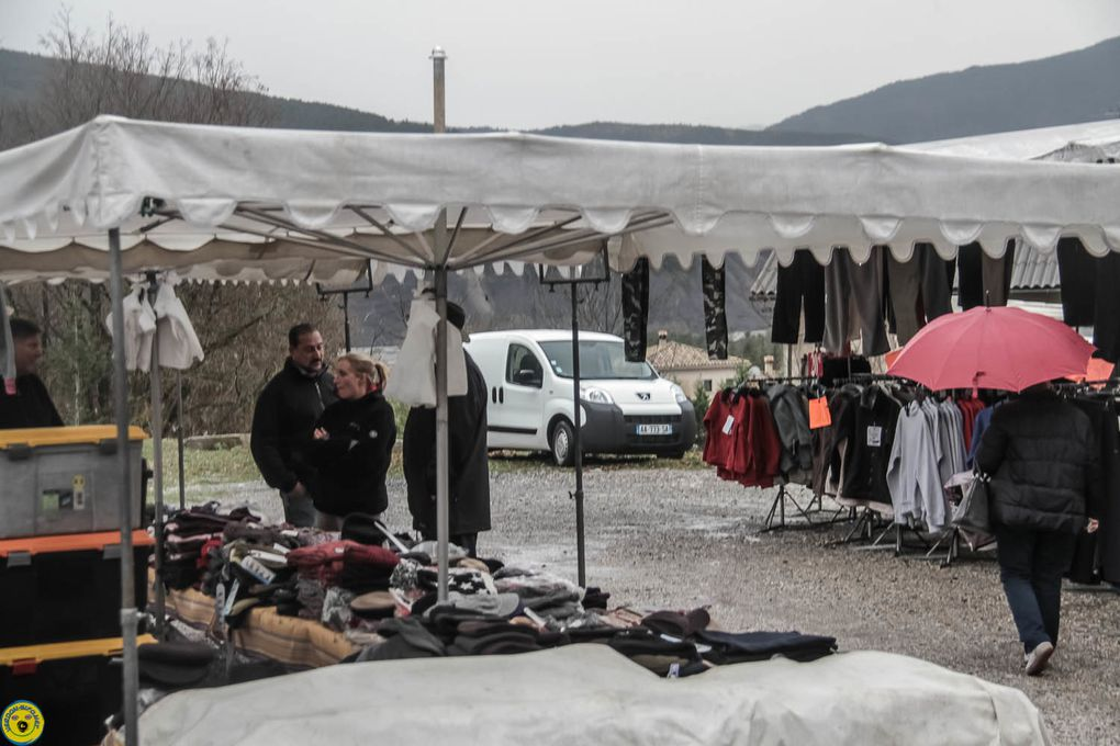 Quelques images , cette fois une aide familiale, prises de vue Jacky Reboul , venu de Gap , vous voyez Verdon-info n'a pas de frontière