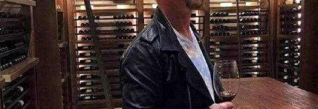 U2 -The Edge chez un marchand de vin -Santiago,Chili -14/10/2017