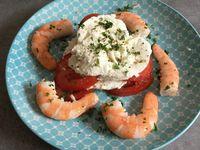 Mille feuille tomates chèvre frais et crevettes