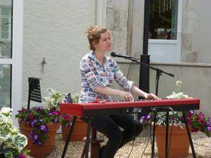 Liz Van Deuq est revenue à St Hilaire St Mesmin !