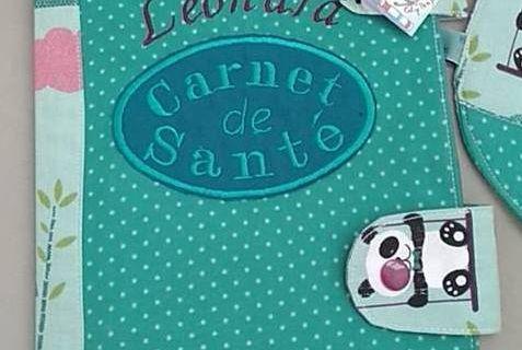 Carnet de santé , poche intérieure marque page Normes Françaises