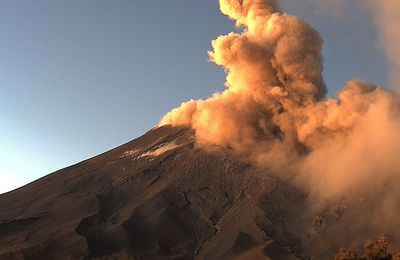 News from Popocatépetl, Pacaya, Sinabung and earthquakes in the Reykjanes Peninsula.