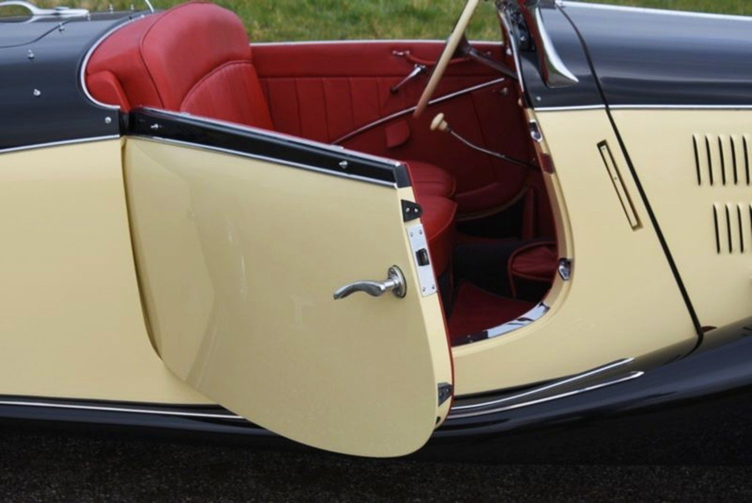 VOITURES DE LEGENDE (1245) : MERCEDES-BENZ  170 V ROADSTER - 1936