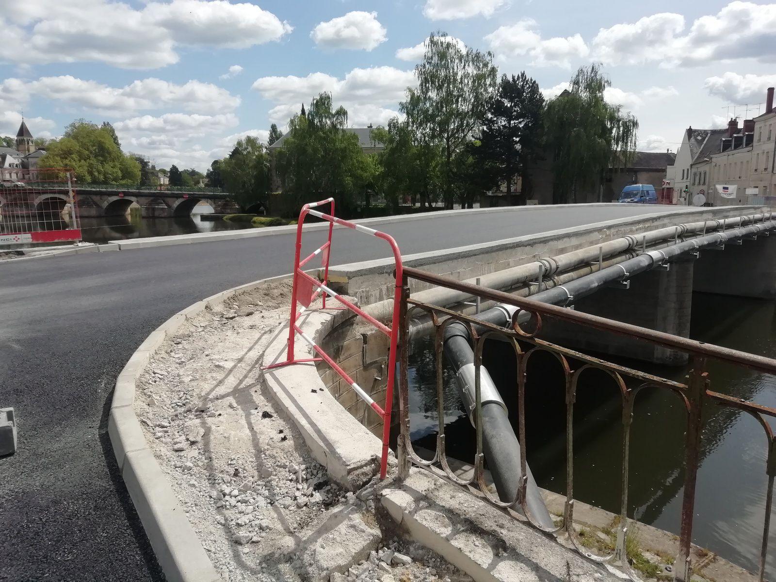 Pont Molière : il ne manque plus que les nouveaux garde-corps !