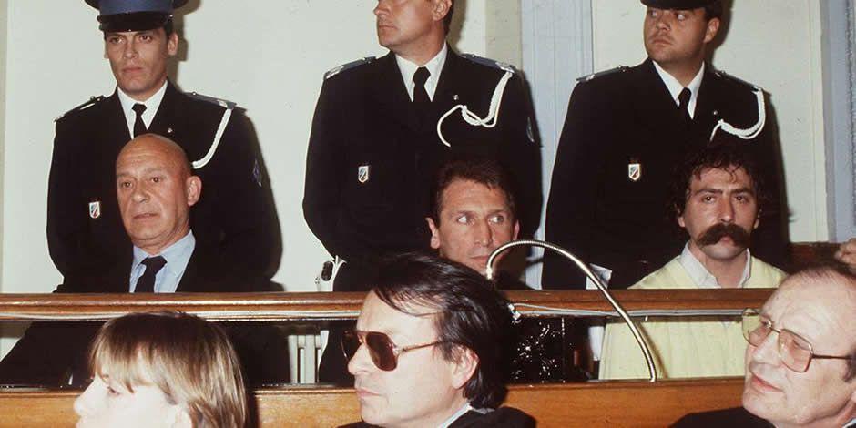 Le 23 avril 1984, lors du procès du sextuple meurtre d'Auriol (Bouches-du-Rhône) devant la cours d'assises d'Aix-en-Provence, trois des accusés : Finochietti, Collard et Maria (de gauche à droite)