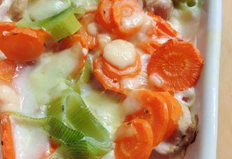 Gratin léger poulet, poireaux et carottes
