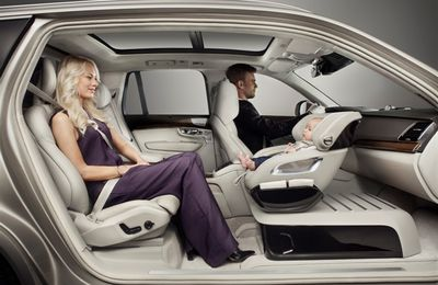 "Nouveau concept de siège-auto VOLVO ""Excellence Child Safety Seat Concept"""