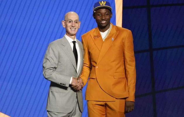 Avec le choix n°7 de la NBA Draft 2021, les Golden State Warriors sélectionnent Jonathan Kuminga de la République Démocratique du Congo