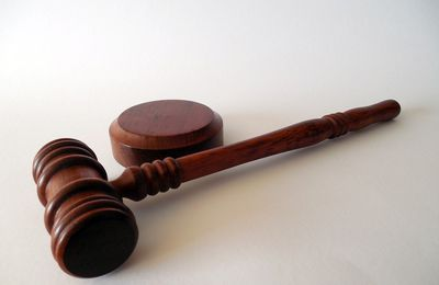 Why You Ought To Pick a Medical Negligence Lawyer for Your Injuries