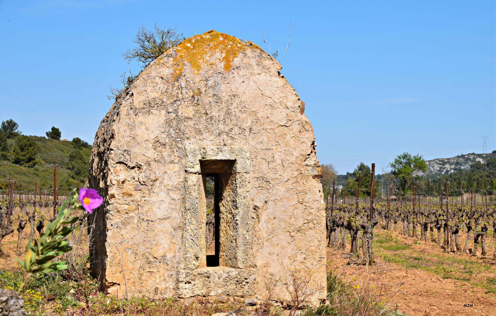 Château de St Pierre des Clars et les montjoies