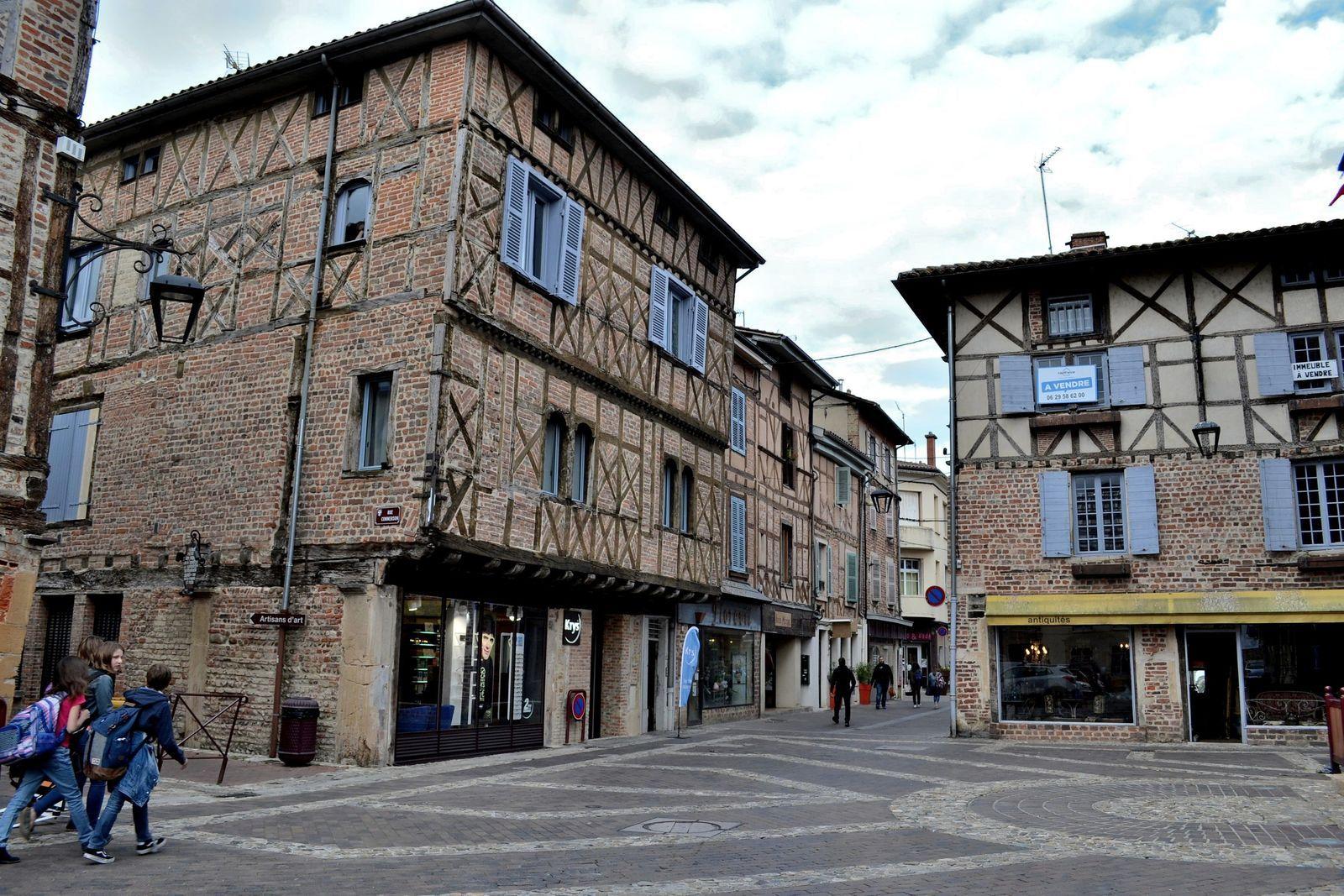 Dans les rues de la vieille ville de Châtillon-sur-Chalaronne...