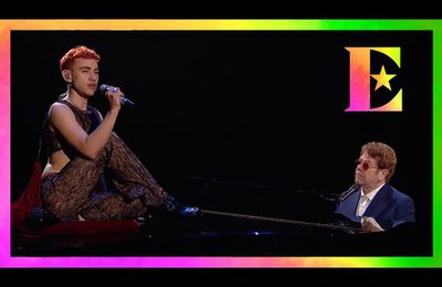 It's A Sin · Elton John and Years & Years en direct aux BRIT Awards pour lutter contre le sida.