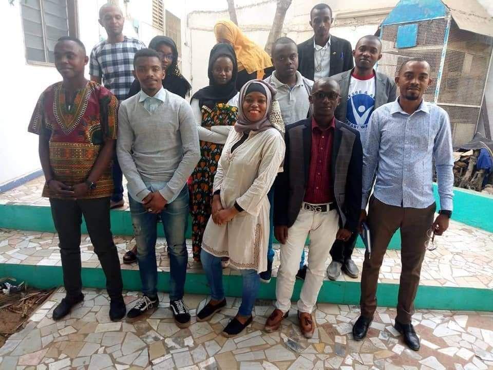 Lors des différents déplacements sur le terrain avec les équipes de l'ONG USHABABI WA MESO INTERNATIONAL à travers plusieurs pays dont les Comores, Madagascar, Senegal,  France et Maroc  avec M. Darchari MIKIDACHE,   Président du think tank Cercle des Économistes et des Experts Comoriens  (CEEC) et Président de ladite ONG.*