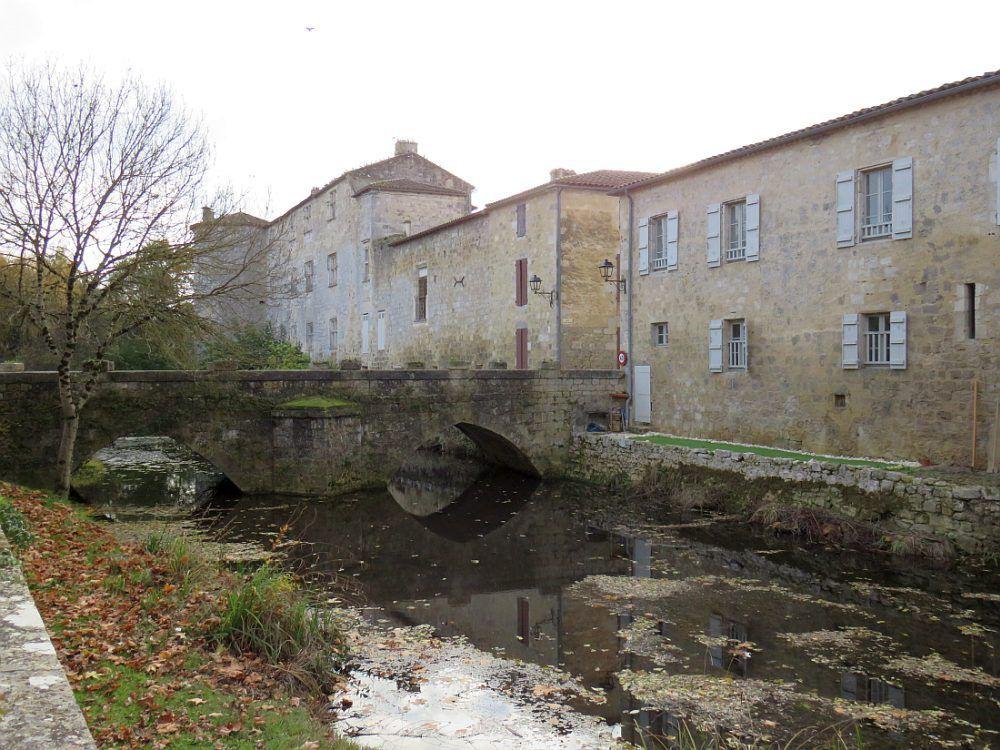 """Fources """"Un des plus beaux villages de France"""", la seule bastide au plan circulaire du Gers"""