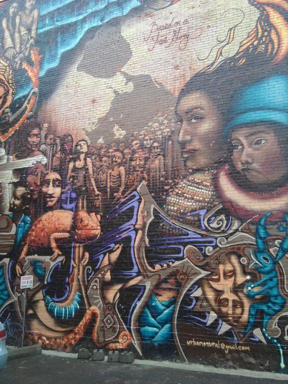 Des fresques aux visages envoûtants, un capteur de rêves, des pochoirs sur un mur...  la richesse et la persécution d'une civilisation en condensé.