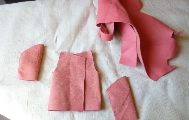 Blouson de cuir pour poupée Barbievêtments