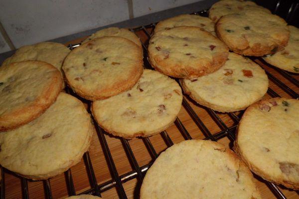 Mes biscuits préféré: les sablés aux fruits confits/ My favorites cookies: shortbread with candied fruits
