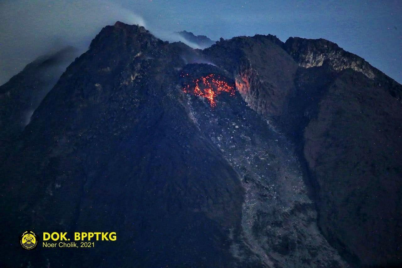 Merapi - 16.01.2021 - incandescence du dôme - Dok. BPPTKG