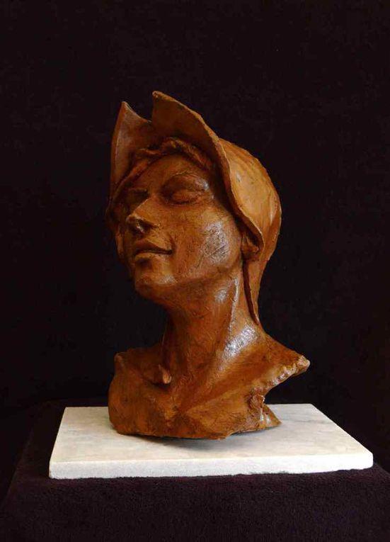 Laitière/ Cynik/Lonely// treize-26x23x47-socle 4.5kg sculpture7kg/350euros/Hors frais de port