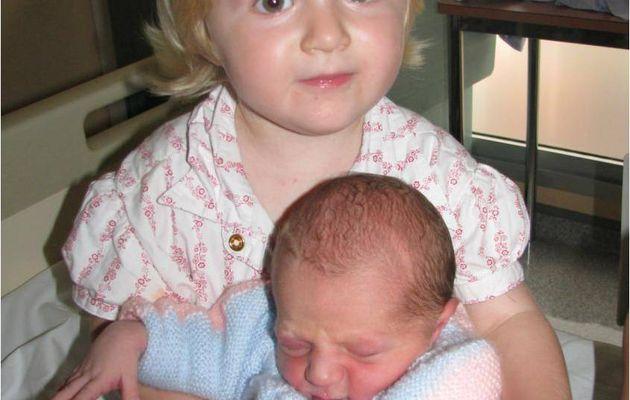 Margaux rencontre son petit frère Corentin - 29 et 30 septembre 2010
