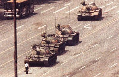 Que retenir du groupement de textes « l'individu en révolte face au pouvoir politique et militaire : quelles valeurs défendre ? »