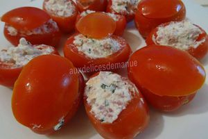 tomates farcies au chèvre, bacon et ciboulette -LIGHT-