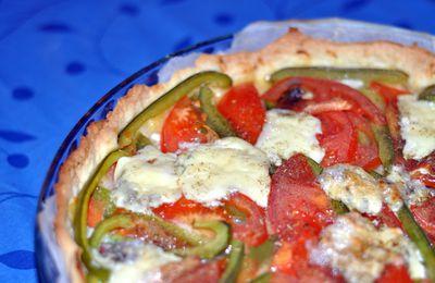 Tarte aux tomates, poivrons, et bleu