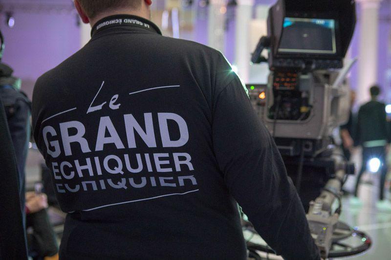 """Anne-Elisabeth Lemoine prend les commandes du """"Grand Echiquier"""" qui change de case dès le 3 avril sur France 2"""