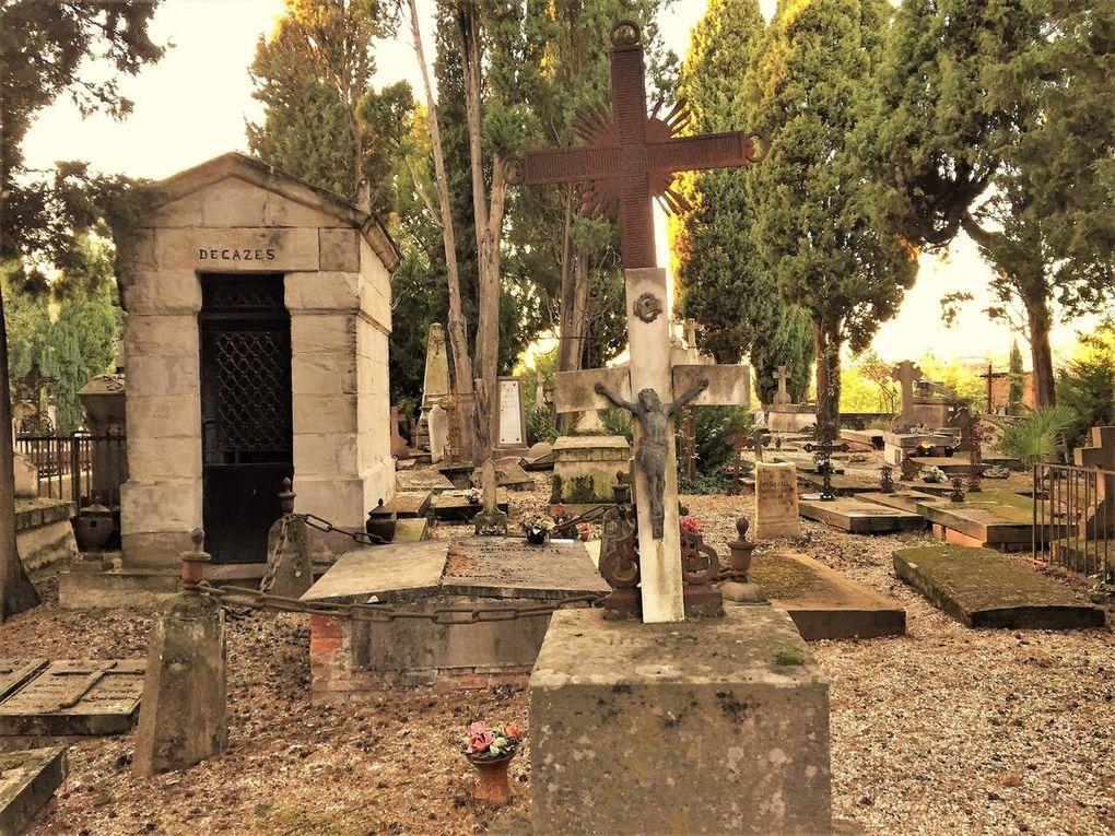 Cimetières mystérieux et tombes remarquables du Tarn