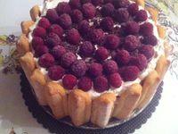 """Charlottes """"Charlie aux framboises et chocolat noir vanille et brisures de gâteau au chocolat maison """" ."""