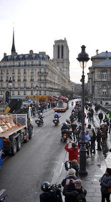 Les neuf nouvelles cloches de Notre-Dame de Paris...