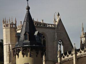 La cathédrale et le regard sous les jupes de Bonaparte!