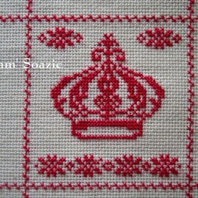 SAL : Plaid Broderie Rouge... Grille 13 / L6