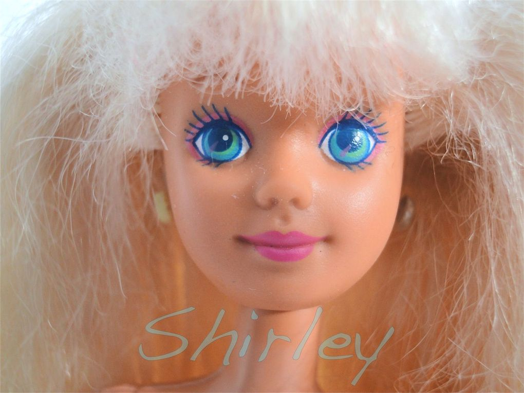 """GLITTER BEACH"" SKIPPER DOLL 1992 MATTEL #4920"