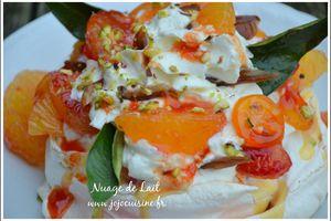 Pavlova aux 2 oranges et dattes; crème anglaise au grand marnier
