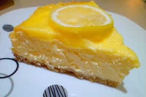 Cheesecake and lemon curd